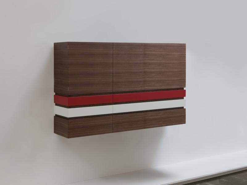 meisterst ck geschirrschrank in vereinsfarben. Black Bedroom Furniture Sets. Home Design Ideas